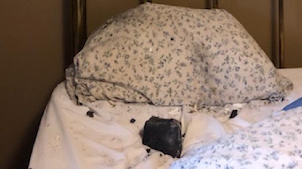 Meteorito que se estrelló contra la casa de una mujer de Columbia Británica podría arrojar luz sobre el origen del sistema solar, dice un físico