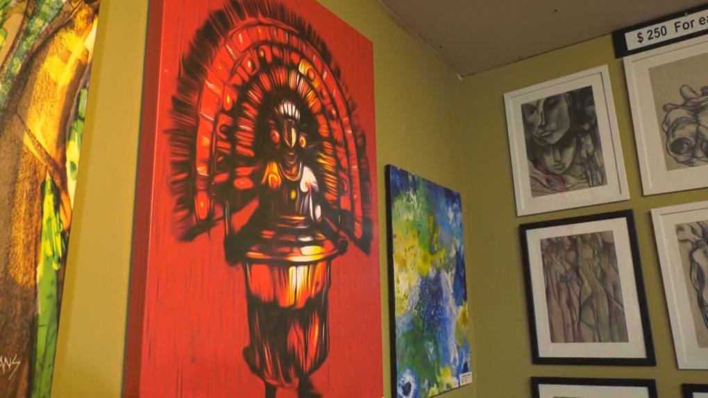 El trabajo de artistas galardonados se exhibe en una nueva galería en Edmonton