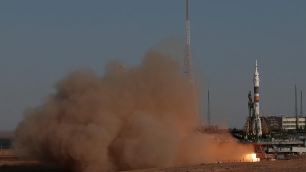 Soyuz-FG rocket launches with the TMA-06M.