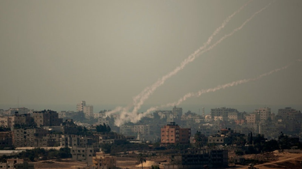 Gaza militants blast rockets towards Israel
