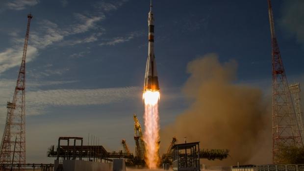 Soyuz rocket brings guppies to ISS