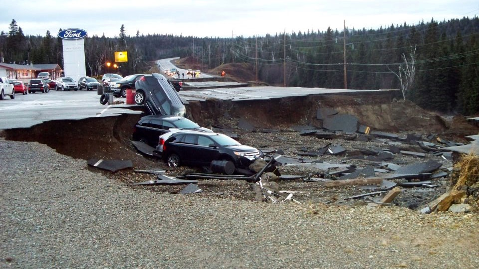 Cars are damaged and roads destroyed following heavy rainfall and flooding In Wawa, Ont., Friday, Oct. 26, 2012. (Vanessa Moynihan / MyNews.CTVNews.ca)
