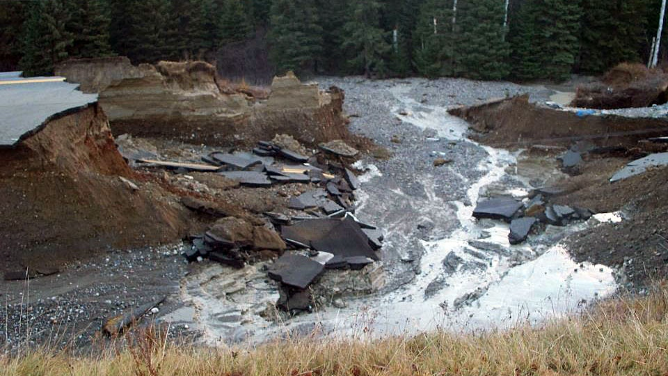 Aftermath from heavy rainfall and flooding In Wawa, Ont., Friday, Oct. 26, 2012. (Vanessa Moynihan / MyNews.CTVNews.ca)