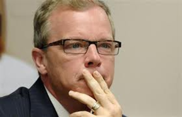Premier Brad Wall is raising the issue of about Ottawa's treatment of a Saskatchewan man claiming refugee status.
