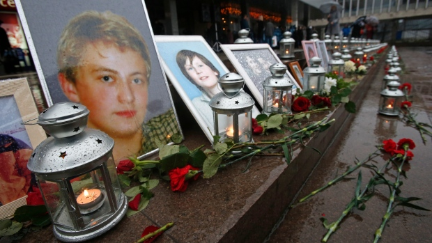 Russians remember deadly Moscow theatre attack