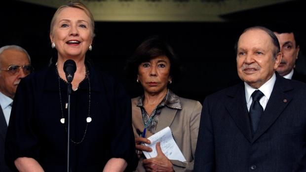 Clinton asks Algerian leaders for help in Mali