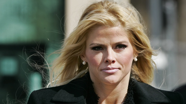 Prosecutors pressing Anna Nicole Smith case