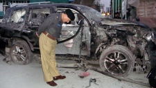 Suicide bomber kills 5 in Pakistan