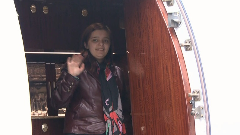 Jeneece Edroff, 18, is off to Minnesota for an assessment of her rare condition, neurofibromatosis. November 4, 2012. (CTV)