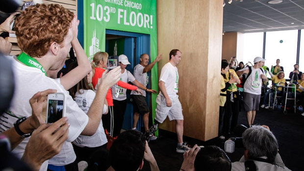 Amputee climbs 103 floors in Chicago