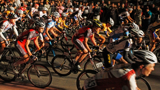 Cyclists begin the Cape Argus Cycling race