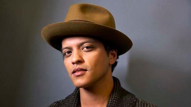 Singer Bruno Mars SNL new album Unorthodox Jukebox