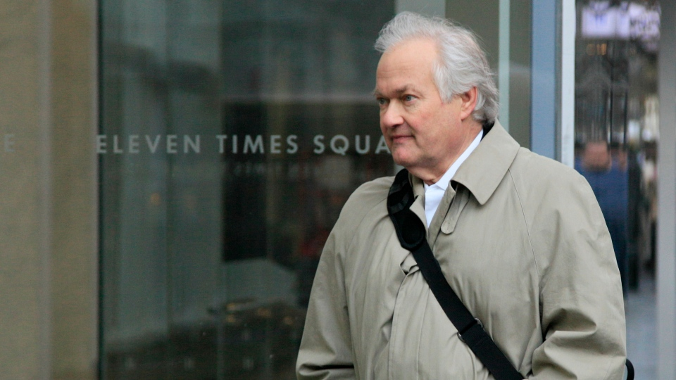 National Hockey League Players' Association Executive Director Donald Fehr arrives for talks, in New York, Friday, Nov. 9, 2012.  (AP / Richard Drew)
