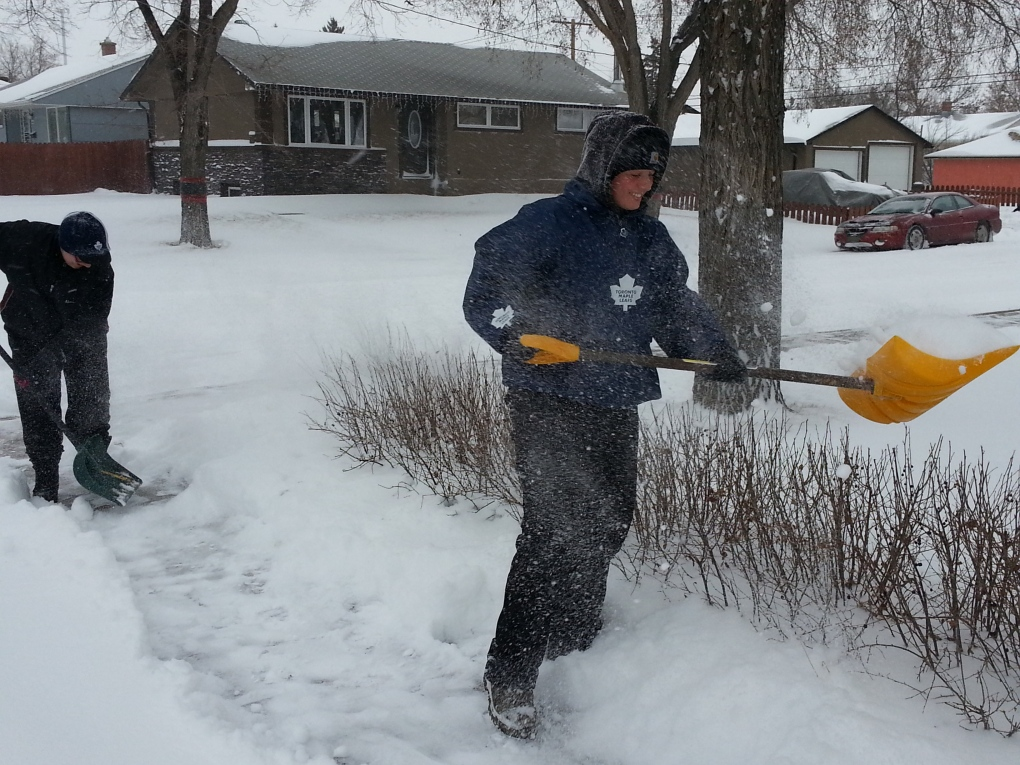 Regina Residents Brave Winter Storm Ctv News Regina