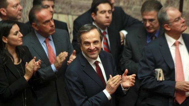 Greece passes 2012 austerity budget