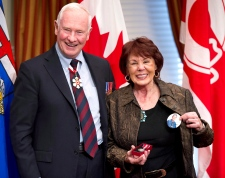 Colleen Klein accepts Order of Canada for Ralph