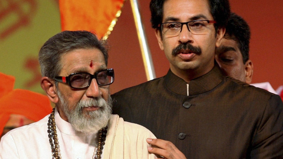 Hindu hardline Shiv Sena party leader Bal Thackeray attends Maharashtra Day celebrations with his son Uddhav Thackeray in Mumbai, India, May 2, 2010. (AP)