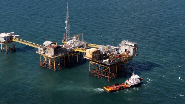 Search for survivors after oil rig fire