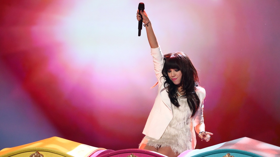 Carly Rae Jepsen performs at the 40th Annual American Music Awards on Sunday, Nov. 18, 2012, in Los Angeles. (Photo by Matt Sayles/Invision/AP)