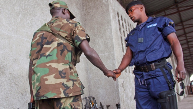Congo police defect as rebels take Goma