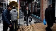Samaris pushes for Greek loan deal
