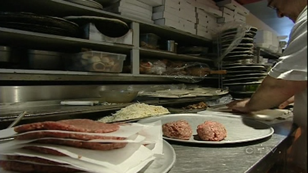 Montrealers have no way of knowing if a restaurant has passed its most recent inspection (Nov. 11, 2010)