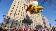 Americans celebrate Thanksgiving at Macy's parade