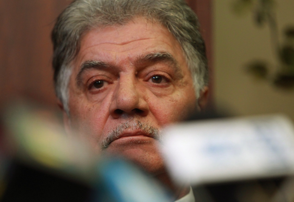 Mayor Joe Fontana makes a statement during a news conference about charges he is facing after an RCMP investigation, in London, Ont., on Thursday, Nov. 22, 2012. (Dave Chidley / THE CANADIAN PRESS)