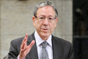 Irwin Cotler has said that Montreal's City Council needs to act to make sure that all Montrealers, regardless of their racial or ethnic background, are treated equitably by Montreal police. (CP file photo)