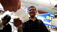 Powerball lotto jackpot reaches $550 million