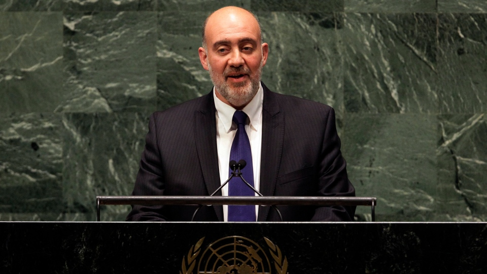 Israel's UN Ambassador Ron Prosor addresses the United Nations General Assembly, Thursday, Nov. 29, 2012. (AP / Richard Drew)