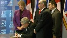 Harper agrees to Muskrat Falls loan