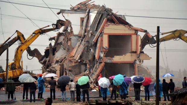 Luo Baogen's house demolished