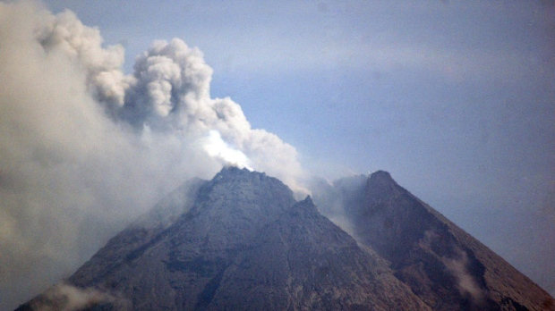 Mount Merapi spews volcanic material as seen from Sleman, Indonesia, Saturday, Nov. 20, 2010.  (AP / Slamet Riyadi)