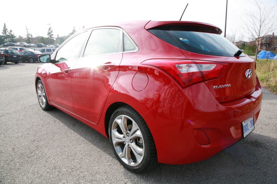 The Elantra GT follows the same fluidic design that Hyundai uses on all its models (Bill Wang/CTVNews.ca)