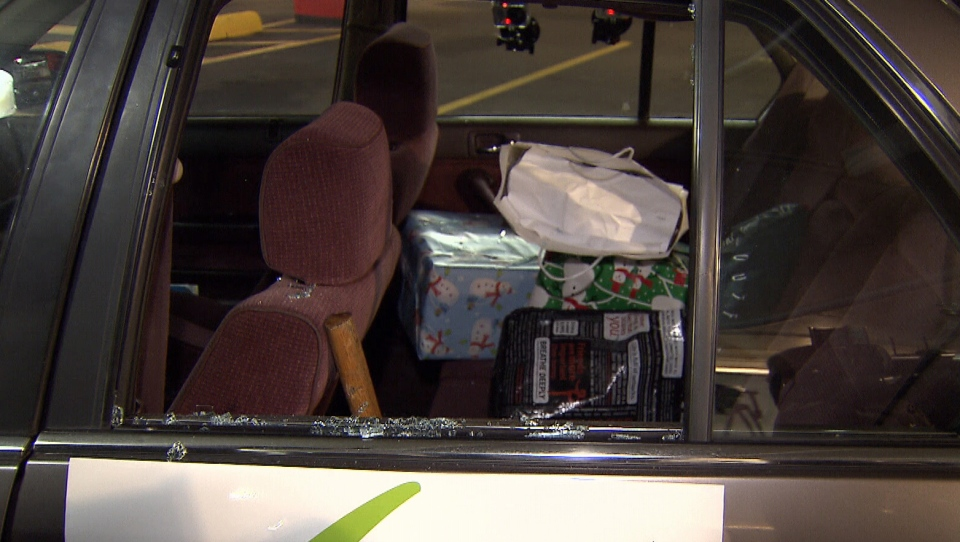 Police demonstrated how to prevent theft from cars during the holiday season on Dec. 4, 2012. (CTV)