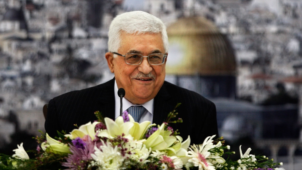 Palestinian President Mahmoud Abbas, centre, speaks during a meeting of the Palestinian leadership at his compound in the West Bank city of Ramallah, Tuesday, Dec 4, 2012. (AP / Majdi Mohammed)