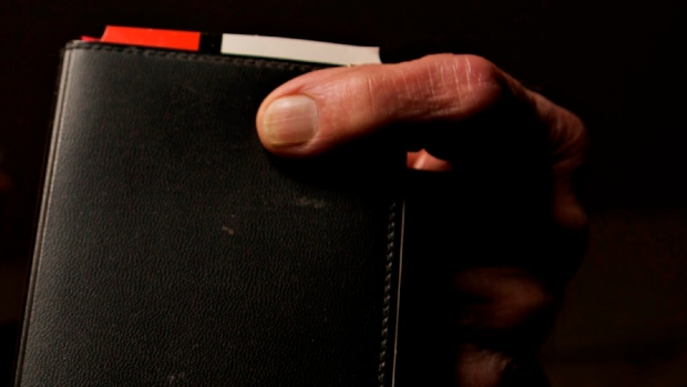 leather wallet generic