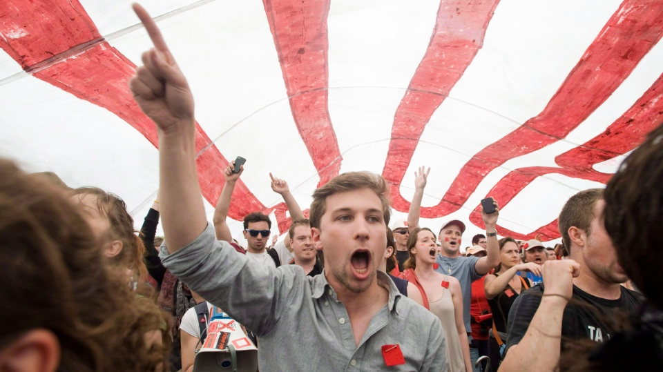 Spokesperson for the CLASSE, Gabriel Nadeau-Dubois demonstrates in Montreal on May 22, 2012. (Graham Hughes / THE CANADIAN PRESS)
