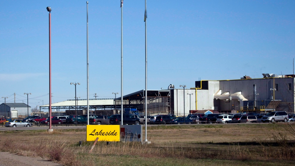 The XL Foods cattle processing plant is shown in Brooks, Alta., on Thursday, Oct. 18, 2012. (Jeff McIntosh / THE CANADIAN PRESS)