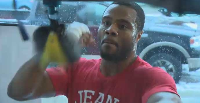Jean Pascal faces Aleksy Kuziemski at the Bell Centre Friday night.