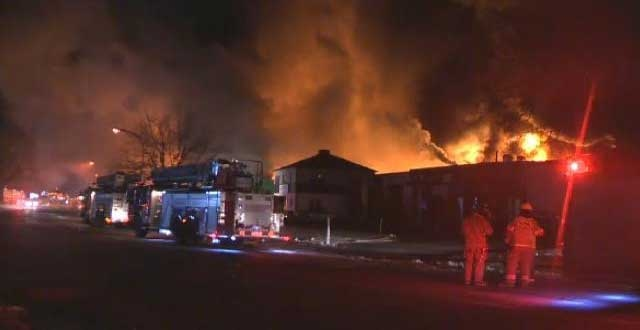The fire broke out at Mécanique Élite at 3010 Losch Blvd. in the Saint-Hubert district.