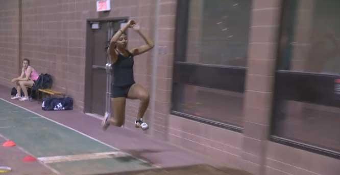 Neena Sinnathuria, triple jump
