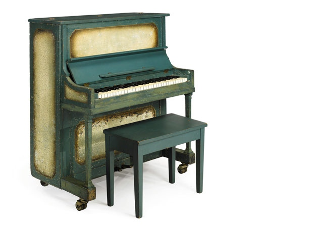 "Piano from ""Casablanca"" goes for more than $600K"