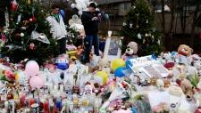 Makeshift memorial in the Sandy Hook Village