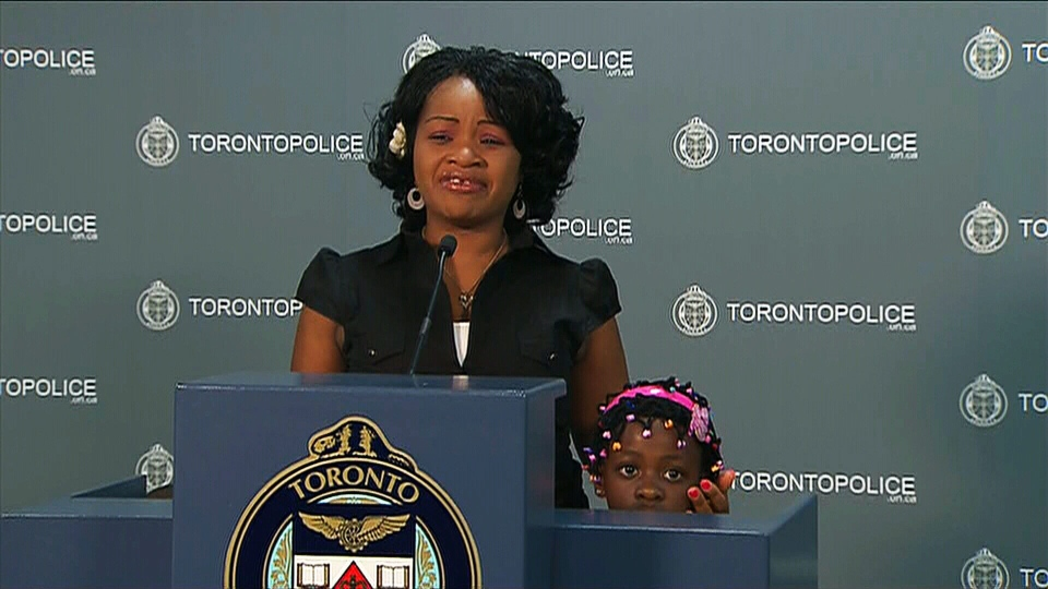This Toronto mother has been reunited with her two young children after they were allegedly abducted by relatives while visiting them in Zimbabwe.