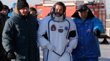 Chris Hadfield to command space station