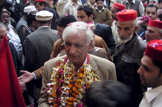 Bashir Bilour before the bombing on Dec. 22, 2012.