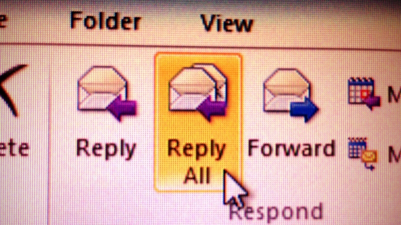 The reply-all button in Microsoft Outlook. (Phil Hahn,CTVNews.ca)