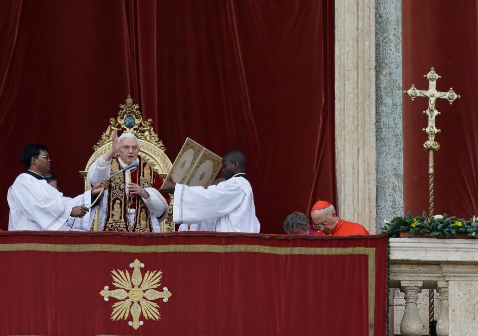 "Pope Benedict XVI delivers his ""Urbi et Orbi"" (to the City and to the World) speech from the central loggia of St. Peter's Basilica, at the Vatican, Tuesday, Dec. 25, 2012. (AP / Gregorio Borgia)"